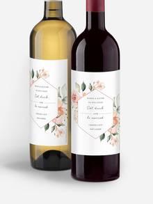 Personalisierte Weinetiketten mit Blumenmustern