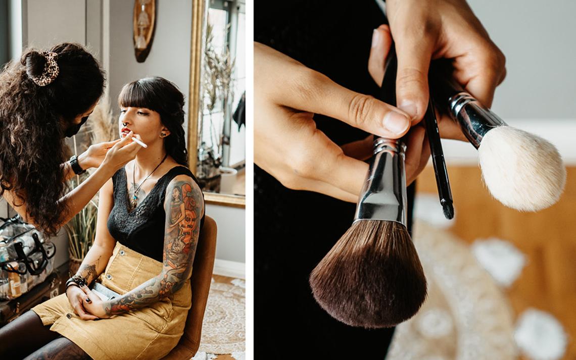 Das Braut-Makeup wird professionell geschminkt. Die Braut erhält ein schlichtes Alltagsmakeup, das mit dunkelrotem Lippenstift abgerundet wird.