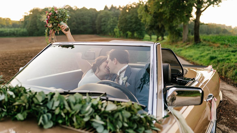 Hochzeit schmücken auto Hochzeitsauto schmücken