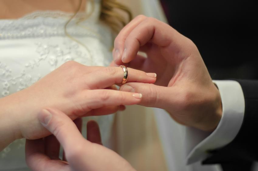 Die Schonsten Hochzeitslieder Fur Standesamt Und Kirche