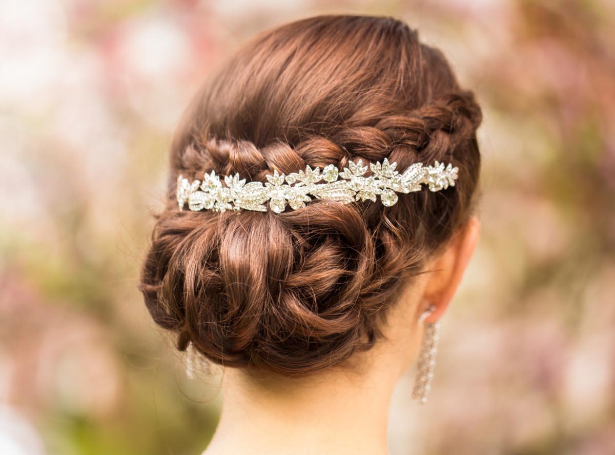 Hochzeit Haarschmuck Brautfrisuren Mit Blumen Diadem Und Haarreif
