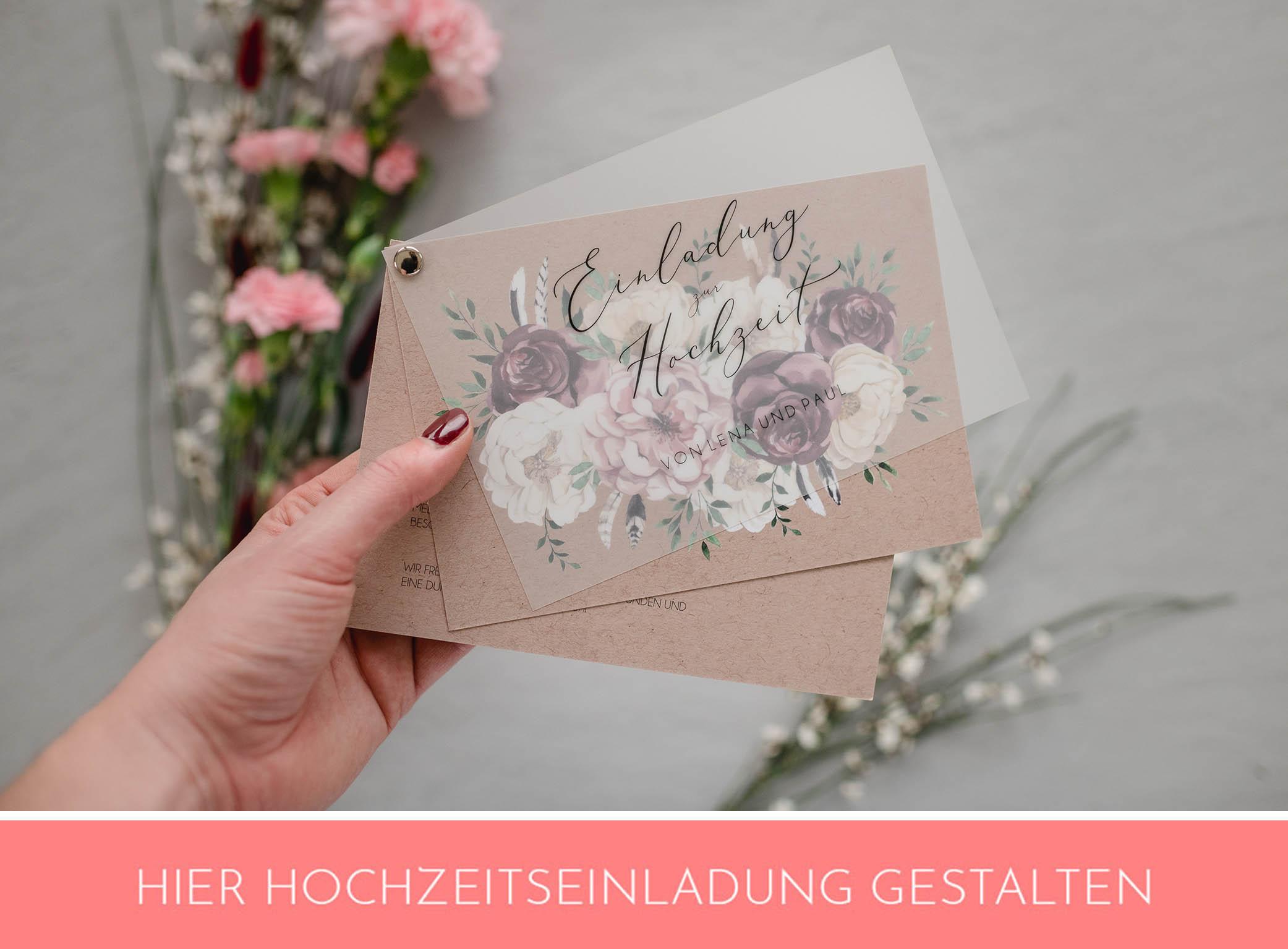 Hochzeitseinladung mit Blumen und Transparentpapier