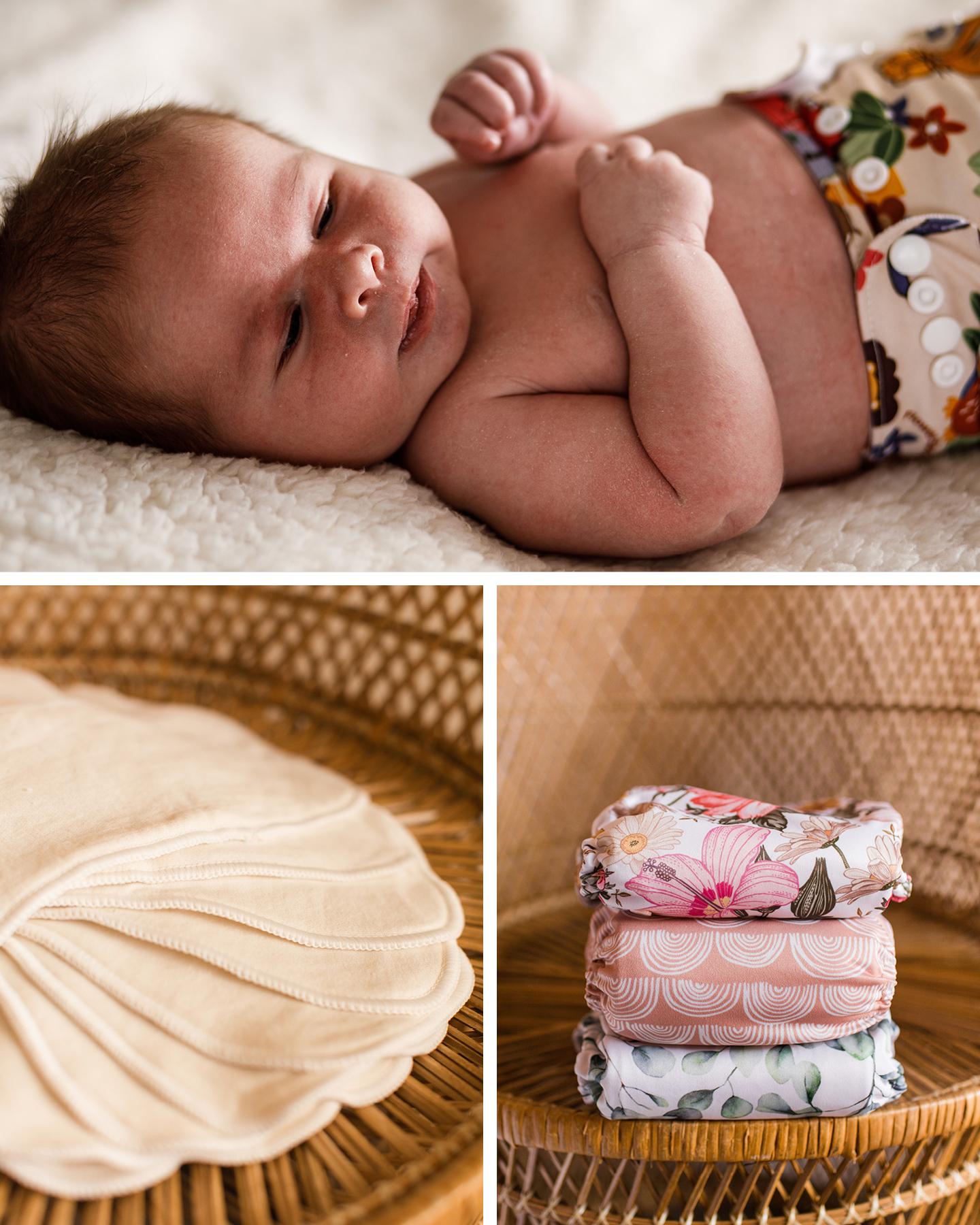 Nachhaltig als Familie leben: Baby liegt mit Stoffwindeln gewickelt im Bett.