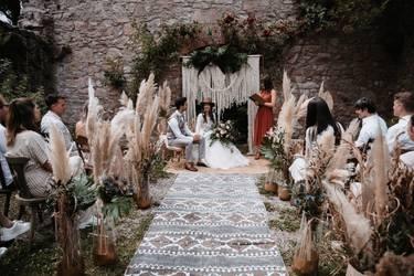 Kleine Hochzeit im Garten