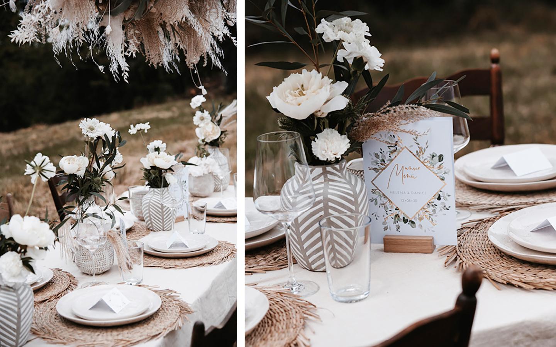 Tischdeko Hochzeit: Hochzeitstisch im Boho-Stil: Die beige Deko passt wunderbar zu den weißen Blumen und dem hellen Pampasgras. Der gedeckte Tisch im Grünen fügt sich wundervoll in die Natur ein.