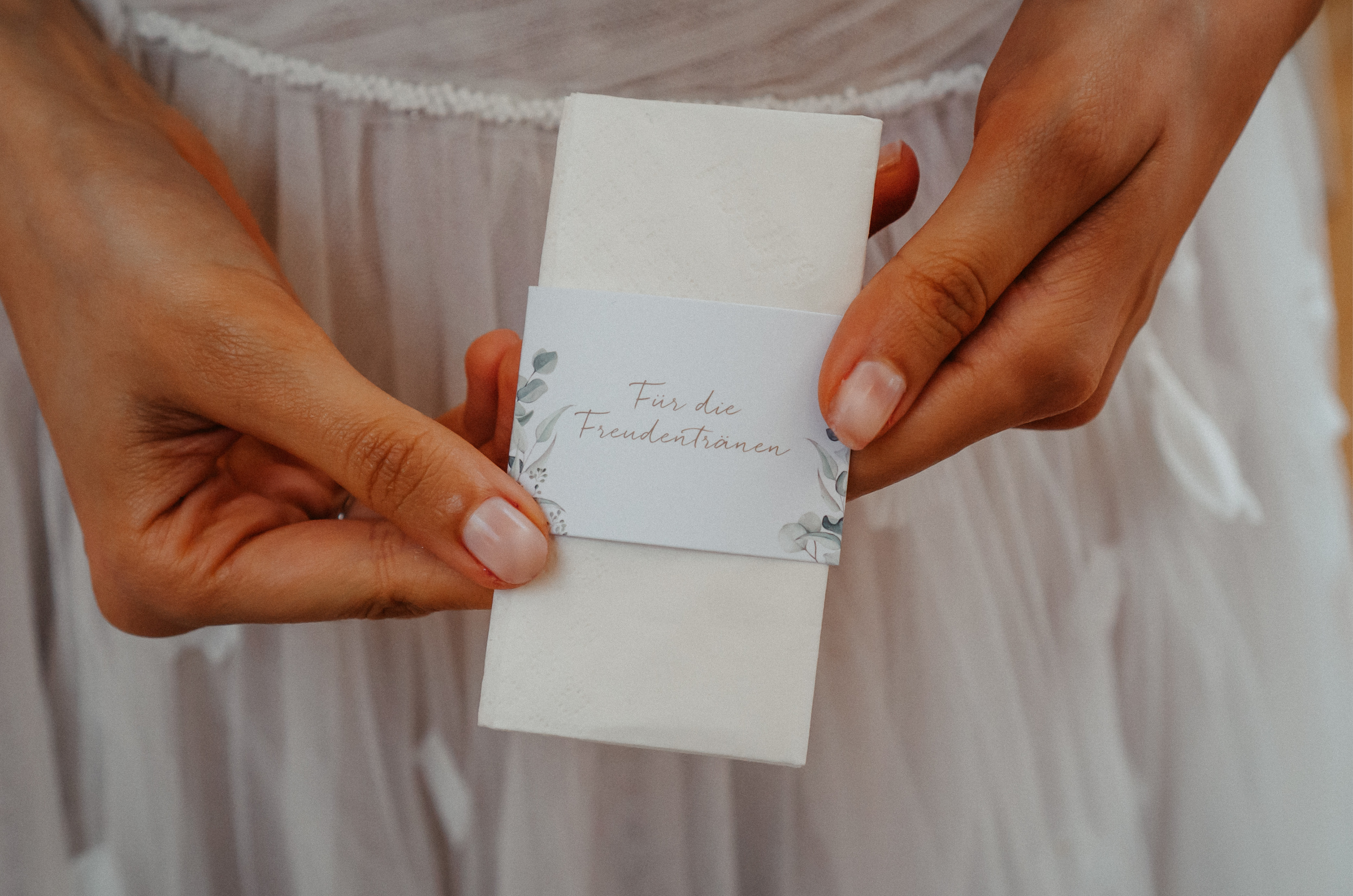 Banderole aus Papier für die Freudentränen der Gäste.