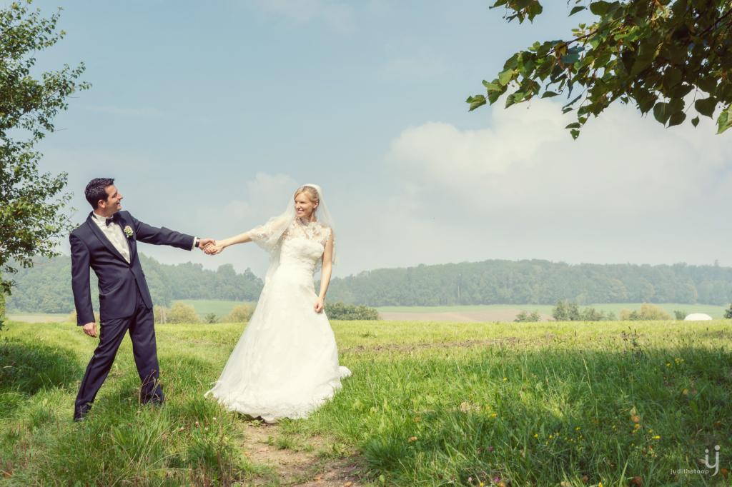 Tipps für Hochzeitsfotos: Originelle Posen und Locations