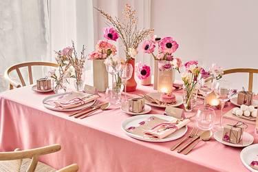 Tischdeko Hochzeit: So kannst du deine Hochzeitstafel schmücken