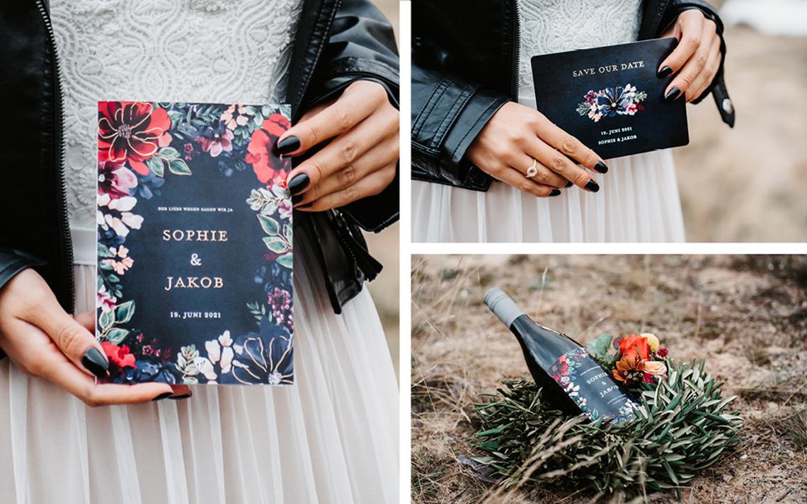 Die Papeterie passend zu dieser Hochzeit ist dunkelblau mit bunt gezeichneten Blütenillustrationen. Sie wirken leuchtend und edel - mal wie etwas ganz anderes!